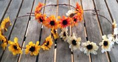 Evde Çiçekli Taç Yapımı Resimli Videolu Anlatım  Evde çiçeklerden taç yapımı hakkında merak edilen tüm detaylar abckadin.com 'un resimli anlatım ve videolu anlatım konusunda yer almaktadır. Siz de evde çiçekli taç yaparak para kazanabilirsiniz.