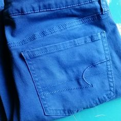 American Eagle Cobalt Blue Jegging Beautiful blue low rise super stretch jegging. 30 inch inseam 98% cotton 2% spandex American Eagle Outfitters Jeans