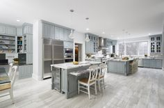 Westchester County plays host to this iconic gray and white kitchen using CliqStudios Cambridge cabinets in Harbor gray. Light Gray Cabinets, Green Cabinets, Kitchen Cabinets, Beautiful Kitchens, Cool Kitchens, Gray And White Kitchen, Best Kitchen Designs, Kitchen Decor, Kitchen Ideas