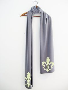 Beautiful Jersey Scarf with butter Fluer di lis