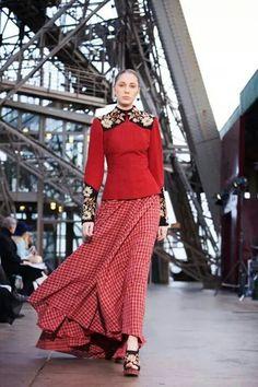 Jessica minh ahn's catwalk on eiffel tower