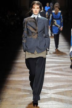 Dries Van Noten Fall 2012 Ready-to-Wear Fashion Show Collection Fashion Brand, Fashion Show, Luxury Fashion, Fashion Design, Fashion Art, High Fashion, Fashion Ideas, Street Outfit, Street Wear