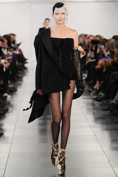 Maison Martin Margiela - Spring 2015 Couture - Look 16 of 24