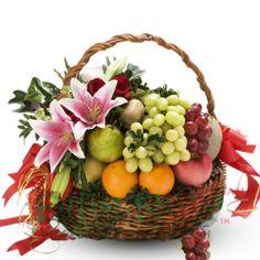 Flowers with Fruits Tropical Wedding Bouquets, Floral Bouquets, Fruit Flower Basket, Edible Centerpieces, Themed Gift Baskets, Fruit Gifts, Valentine Bouquet, Deco Floral, Edible Arrangements