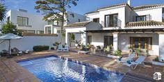 Die Villa ist 70 m von einem der beliebtesten Strandgebiete von Marbella entfernt.