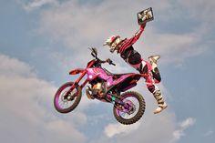 Lascio andare la moto, ma il mio #YOGATab3Pro non lo mollo! Bicycle, Motorcycle, Yoga, Vehicles, Bike, Bicycle Kick, Bicycles, Motorcycles, Car