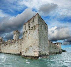 Castello Scaligero, Lago di Garda, Italy #lagodigarda #lakegarda #gardasee #gardameer