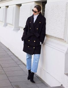 February is here and winter is almost over. We& craving style inspiration like never before, and are so happy these stunning ladies are here to constantly provide us with outfit ideas. Winter Wear, Autumn Winter Fashion, Winter Time, Simple Outfits, Casual Outfits, Street Chic, Street Style, Military Fashion, Military Style