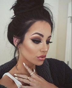 Gorgeous Makeup: Tips and Tricks With Eye Makeup and Eyeshadow – Makeup Design Ideas Eye Makeup, Kiss Makeup, Flawless Makeup, Gorgeous Makeup, Pretty Makeup, Hair Makeup, Perfect Makeup, Night Makeup, Gold Makeup