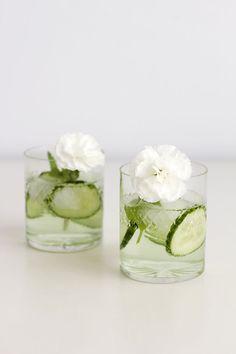 we love handmade   DIY: Blumen-Cocktailstäbchen   http://welovehandmade.at
