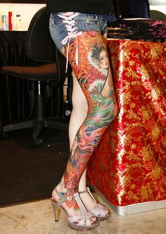 Large Leg Tattoos: Yes or No? Then become a fan of Ink Army Sweet Tattoos, Love Tattoos, Beautiful Tattoos, Girl Tattoos, Tattoos For Women, Japanese Legs, Japanese Sleeve, Los Mejores Tattoos, Wicked Tattoos