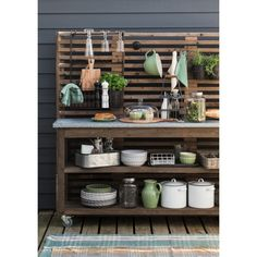 Furnishings and Decorations in Spring and Summer: News and Trends 2016 - Unser Garten - Outdoor Kitchen Outdoor Kitchen Plans, Outdoor Cooking Area, Outdoor Kitchen Design, Outdoor Kitchens, Lavabo Exterior, Trends 2016, Summer Trends, Summer Kitchen, Outdoor Living