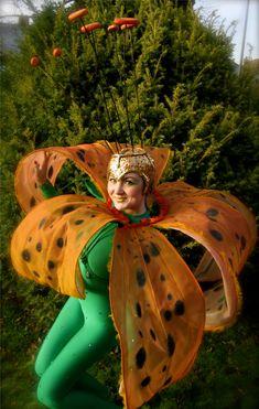 Gorgeous spring flower costume Flower Costume, Art Costume, Samba Costume, Broadway Costumes, Theatre Costumes, Fancy Costumes, Diy Costumes, Costume Ideas, Tiger Lily Costume