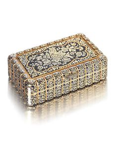 A 19th century Swiss gold and enamelled snuff box by Bautte and Moynier, Geneva circa 1821-26, engraved to rim Bautte & Moynier à Geneve