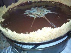 Torta de biscoito com ganache de chocolate