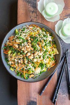 Vegan Gluten Free, Gluten Free Recipes, Vegan Recipes, Vegan Foods, Delicious Recipes, Sesame Ginger Dressing, Ramen Salad, Gluten Free Noodles, Healthy Salads