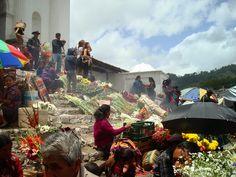 http://el-mundo-de-rocio.blogspot.com.es/2014/12/chichicastenango-la-ciudad-del-mercado.html