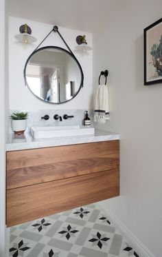Fun floor tiles if the rest of the room is simple Bathroom Design Software, Bathroom Design Luxury, Bathroom Interior, New Bathroom Ideas, Bathroom Plans, Bathroom Inspiration, Pool Bathroom, Bathroom Renos, Small Bathroom