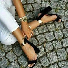 süet siyah kalın topuklu ayakkabı pelin ayakkabı http://www.pelinayakkabi.com/k/topuklu-ayakkabi-modelleri/