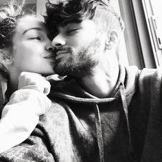So sexy ist Gigi Hadids Liebesbeweis an Boyfriend Zayn   GRAZIA Deutschland