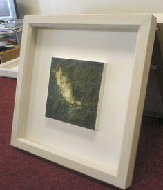 Simple treatment of original art. Box frame, glazed (I think) Framing Canvas Art, Oil Painting Frames, Frames For Canvas Paintings, Small Paintings, Canvas Frame, Marco Diy, Pallet Picture Frames, Small Art, Diy Frame