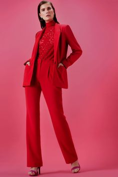 New fashion editorial red roses ideas Winter Fashion Outfits, Red Fashion, Runway Fashion, Girl Fashion, Womens Fashion, Fashion Design, Fashion Clothes, Fashion Show Themes, New Fashion Trends