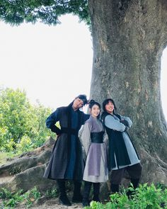 Image may contain: one or more people, people standing, tree, outdoor and nature Lee Taesun, Lee Min Ho, Korean Drama Movies, Korean Actors, Korean Celebrities, Luna Fashion, Flower Crew, Wang So, Sung Kyung