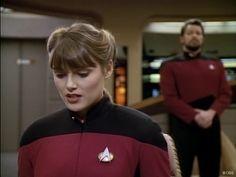 "Star Trek Next Generation 4 X 18 ""Identity Crisis "" Mona Grudt as Ensign Grahan"