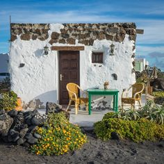A winter destination for serious cyclists: DuVine's tour on Spain's Canary Islands includes full van support, soigneur massages, and traffic-free climbs. Week End En Europe, Location Saisonnière, Destinations, Stone Houses, Canary Islands, Deco Design, Adventure Is Out There, Architecture, The Good Place