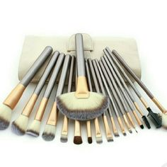 Makeup brush set 18 piece professional makeup set  BRAND NEW high quality Makeup Brushes & Tools