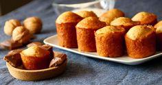 Muffin cuore cioccolato senza uova: un dolce delizioso e leggero. Perfetti a colazione per un'ottimo inizio giornata. Ogni muffin apporta 85 calorie.