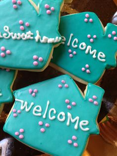 sweet treats for a housewarming party Party Treats, Party Gifts, Housewarming Food, Iced Biscuits, Cookie House, Throw A Party, Shaped Cookie, Party Entertainment, House Party