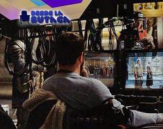 Nueva imagen del rodaje de Warcraft con Duncan Jones en el set. Les emociona este película? #DLB #DesdeLaButaca Lee más al respecto en http://ift.tt/1hWgTZH Lo mejor del Cine lo disfrutas #DesdeLaButaca Siguenos en redes sociales como @DesdeLaButacaVe #movie #cine #pelicula #cinema #news #trailer #video #desdelabutaca #dlb