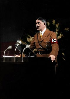Adolf Hitler delivers a speech to National Socialist German Workers Party members at a party conference held in Nürnberg, 1935 Berlin, Ww2 Posters, Germany Ww2, Empire, The Third Reich, Working People, Life Moments, World War Two, Historical Photos