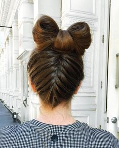 It's not just presents that can get tied up with a bow this holiday season! We're obsessed with this french braided updo with a topknot bow that @staych1c created on our #BirchboxSoho ass't manager @jordanskiles. If you're in the NYC area don't forget you can book your own hair services on Birchbox.com/soho