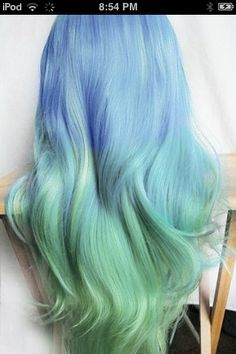 Cool hair...gorgeous colors!!!! Always wanted to try this Hair-do