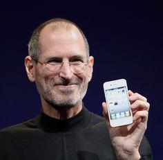 Resultat d'imatges de presentacio iphone steve jobs wikipdia