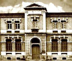 La Universidad Libre de Murcia, fundada en 1869. El edificio es desde Desde 1934 colegio de El Carmen