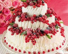 Torta trionfo di frutti di bosco 3 Tier Cake, Tiered Cakes, Italian Cookies, Rose Cake, Pretty Cakes, Biscotti, Food Art, Delicious Desserts, Cupcake Cakes