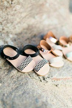 Baby's shoe rack