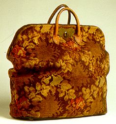 Authentic Carpetbag   c. 1870 Maggie carried one like this on the train.