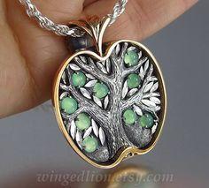 APPLE TREE pendant