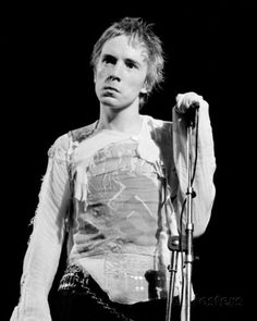 Johnny Rotten: http://en.wikipedia.org/wiki/John_Lydon