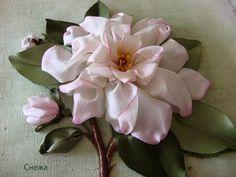 Мобильный LiveInternet Живопись лентами: способы вышить цветок + красивая подборка. | larisabo - Дневник larisabo |