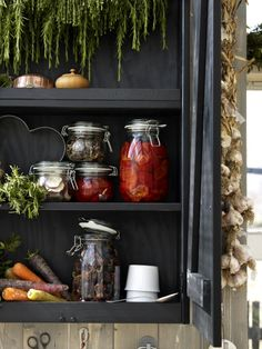 KORKEN storage jars are perfect to preserve the harvest right at the end of summer.