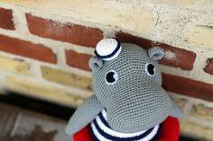 Vincent den vinterbadende flodhest // Vincent the hippo Hæklet flodhest // Crocheted hippo