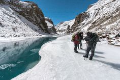 Chadar – The Frozen River Trek the Chadar trek route connects villages in the Zanskar valley deep in the mountains with Chilling and the frozen Zanskar River. Cool Places To Visit, Places To Travel, Travel Destinations, Rest Of The World, India Travel, Hiking Trails, Travel Guides, Trekking, Around The Worlds