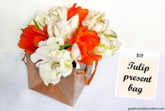 Handmade tulip arrangement as present idea - Garden & Decoration Floral Centerpieces, Flower Arrangements, Some Ideas, Get One, A Table, Tulips, Easy Diy, Presents, Gift Wrapping
