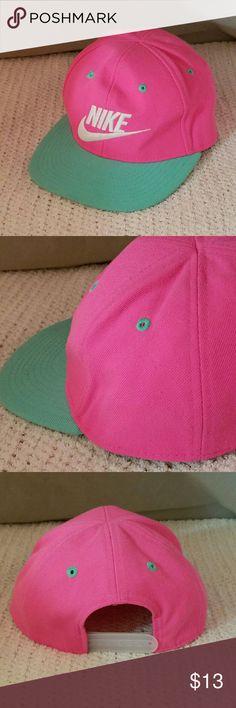 41823033368 NIKE 4-6x Bright Pink  amp  Mint Green Snapback Cap Brand  Nike Item