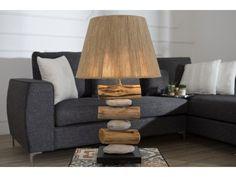 Dekorowanie wnętrz można zacząć od… oświetlenia! To właśnie lampy i lampki dodają aranżacji charakteru, kreują nastrój i wprowadzają do pomieszczenia cudowne światło. Jeśli szukasz oryginalnej i desig ...